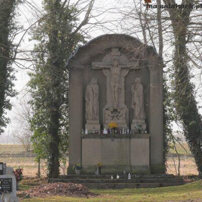 Cmentarz w Kaławie